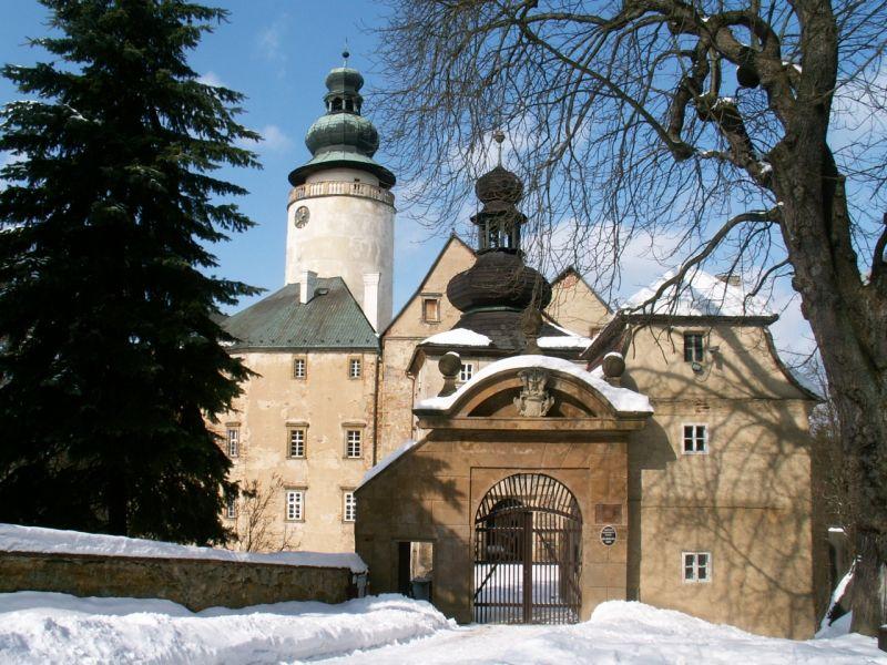 zámek lemberk v zimě